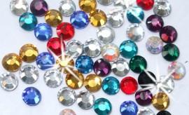 cirkoni i kristali za nokte