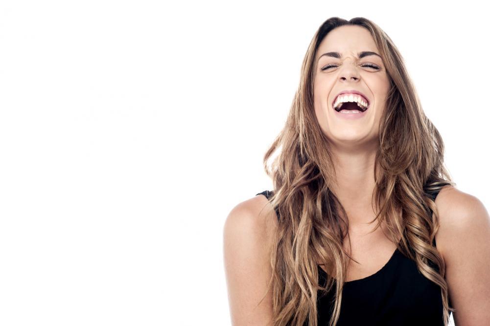 nasmejana devojka