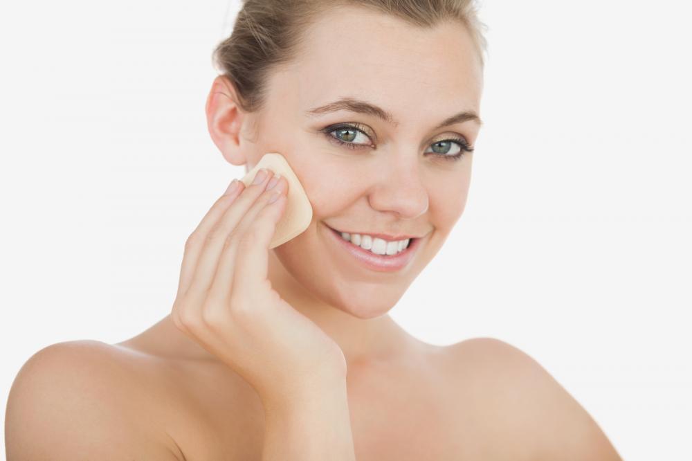 podloga za šminku i korektor