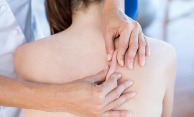 akne na leđima