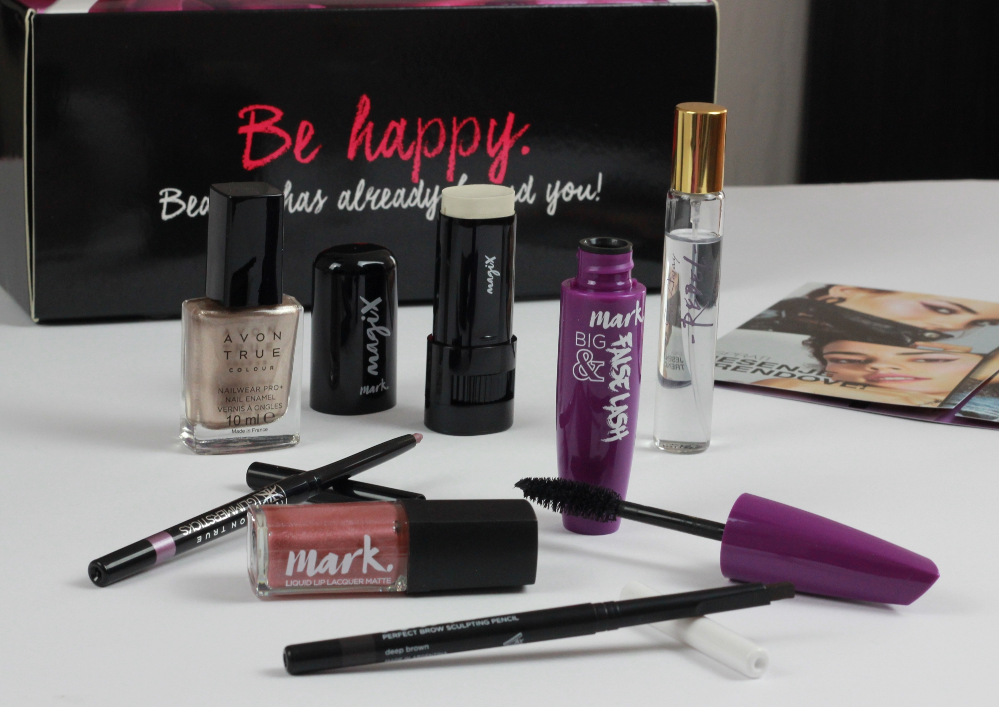 avon trendy beauty box