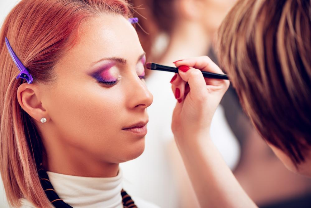 make-up trik sa selotejpom