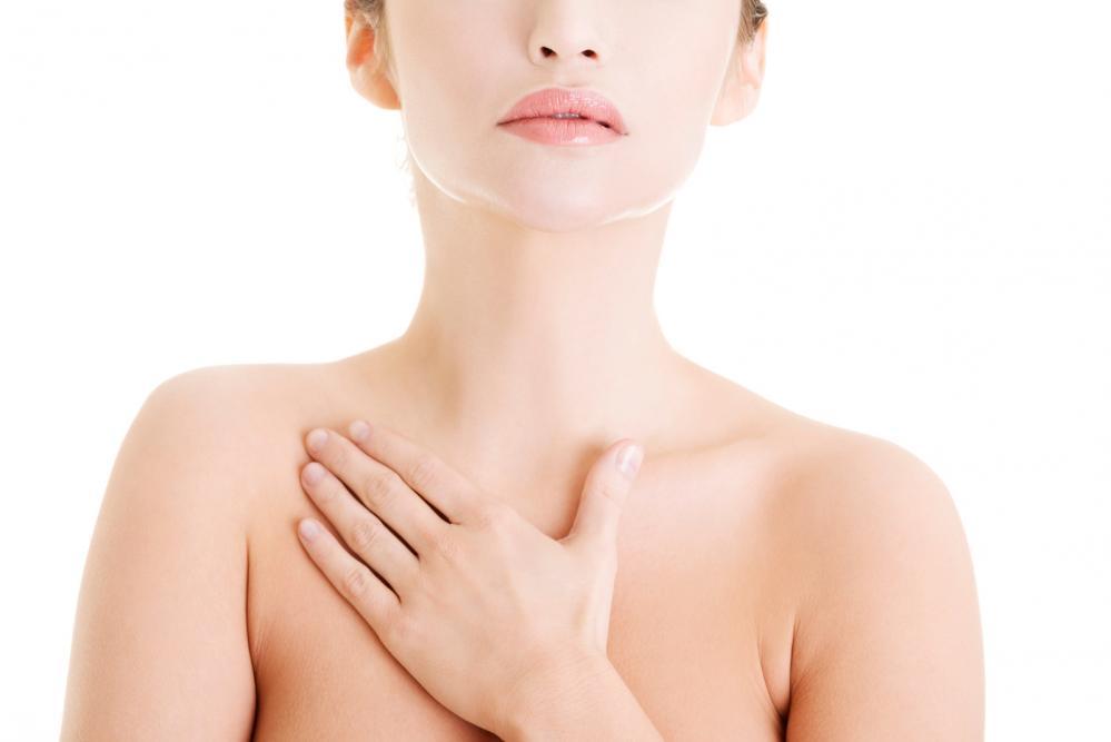 akne na grudima