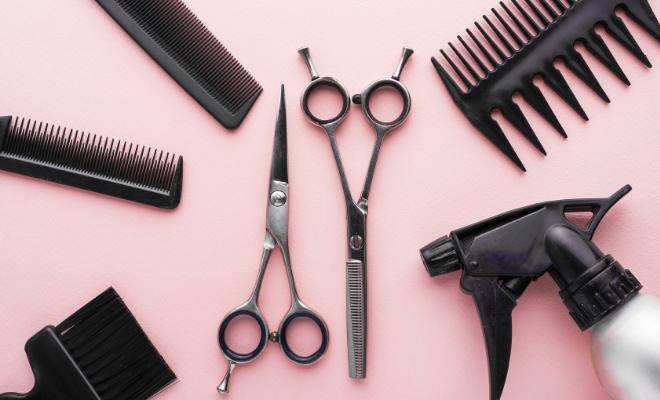 šišanje kose u salonu frizer