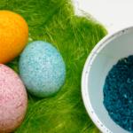 farbanje jaja pirinčem