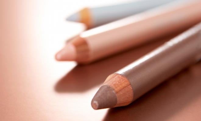 olovke za usne i oči